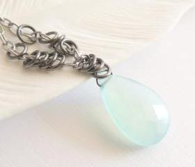 Aqua chaldecony drop necklace 